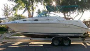 SEA RAY. Beautiful 270 Sundancer. 300HP Mercruiser 7.4,454/ Bravo III.